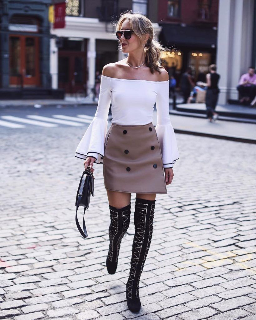 Ботфорты + юбка с пуговицами + блуза