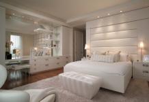 Белая спальня - это стильно